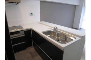 L字型で機能性充実のキッチン